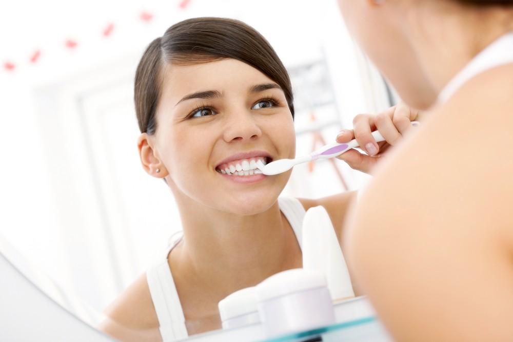 Чистить зубы, чтобы отвлечься
