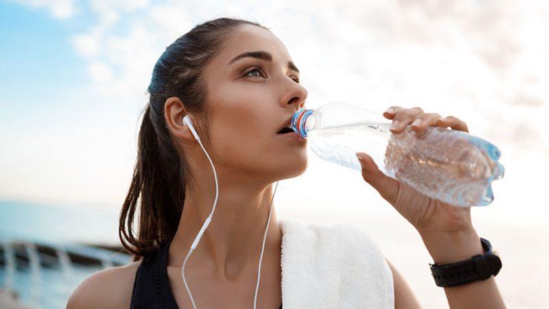 Как пить воду, чтобы похудеть какую, сколько и почему нужно это делать
