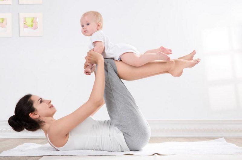 Через сколько можно заниматься спортом после родов