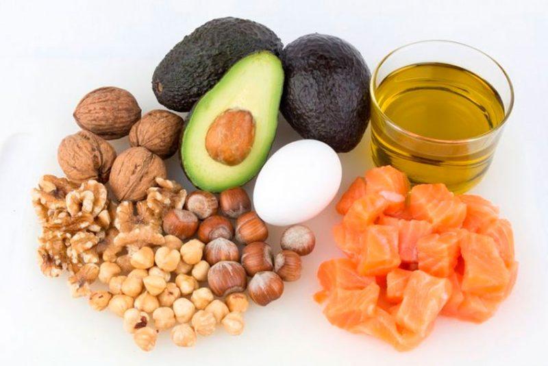 пища с содержанием жиров, чтобы похудеть после праздников